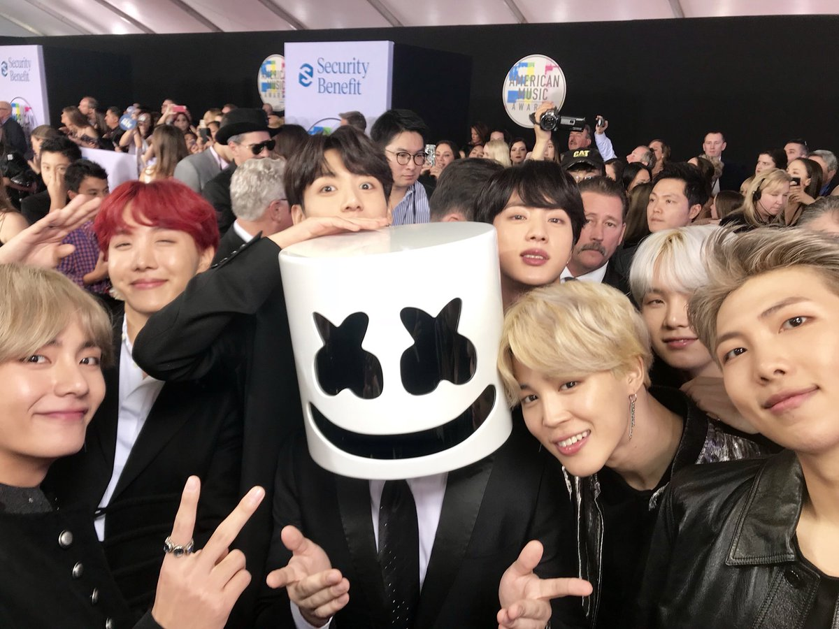 Happy I got to meet @BTS_twt 🙏🏼 https://...