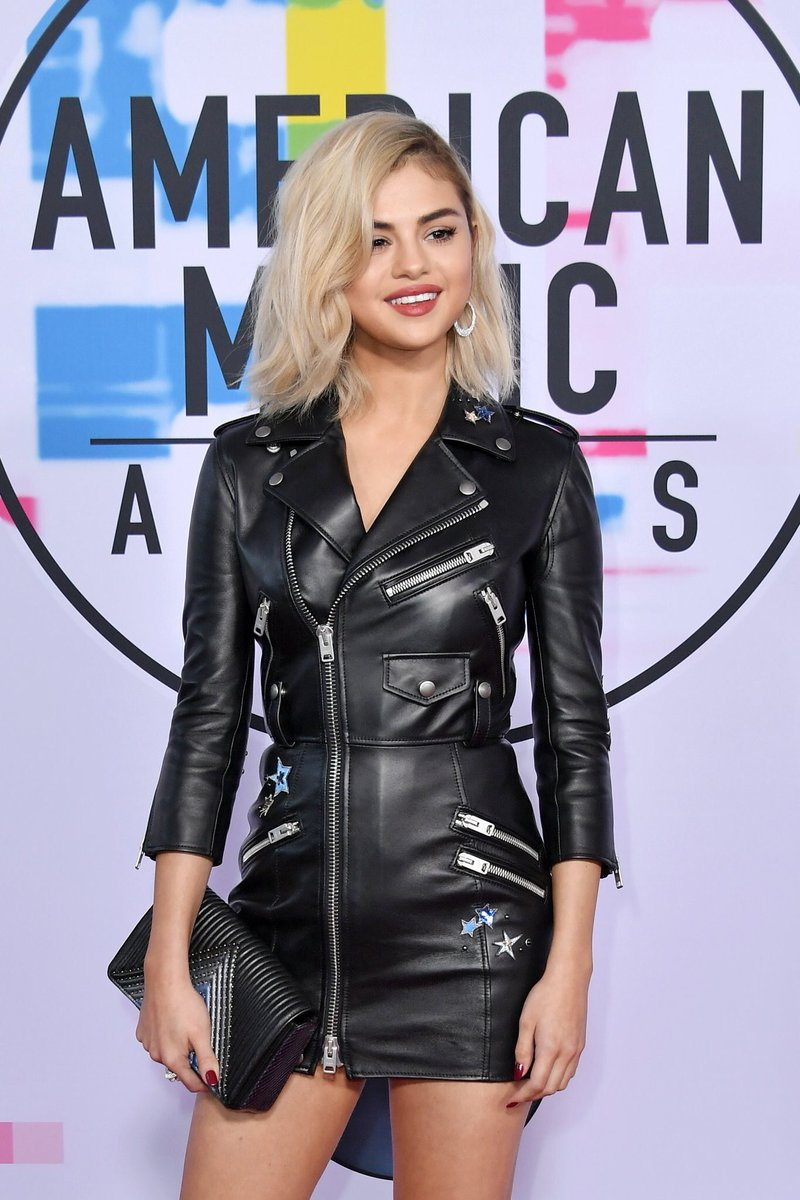 selena gomez is serving looks at the ama...