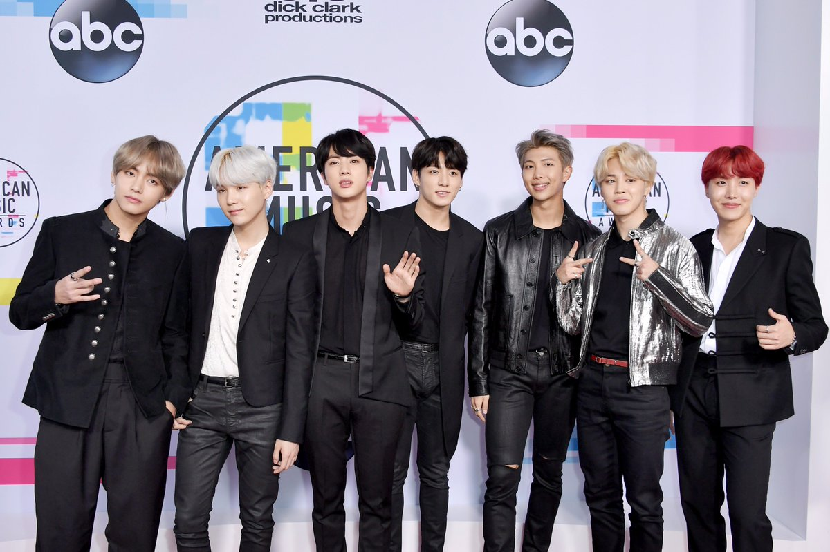 .@BTS_twt made it to the #AMAs red carpet! Can't wait to watch them kill it on stage tonight 🔥 #BTSxAMAs