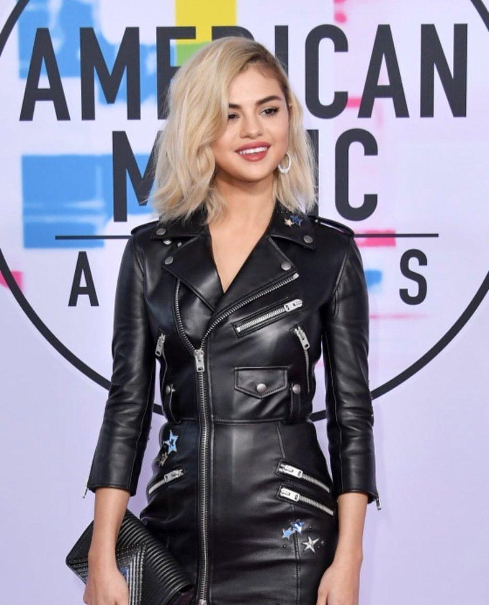 selena gomez blonde hair - DPCHzIGXcAA3Cfi - Exclusive Pics: Selena Gomez New Gorgeous Look With Blonde Hair