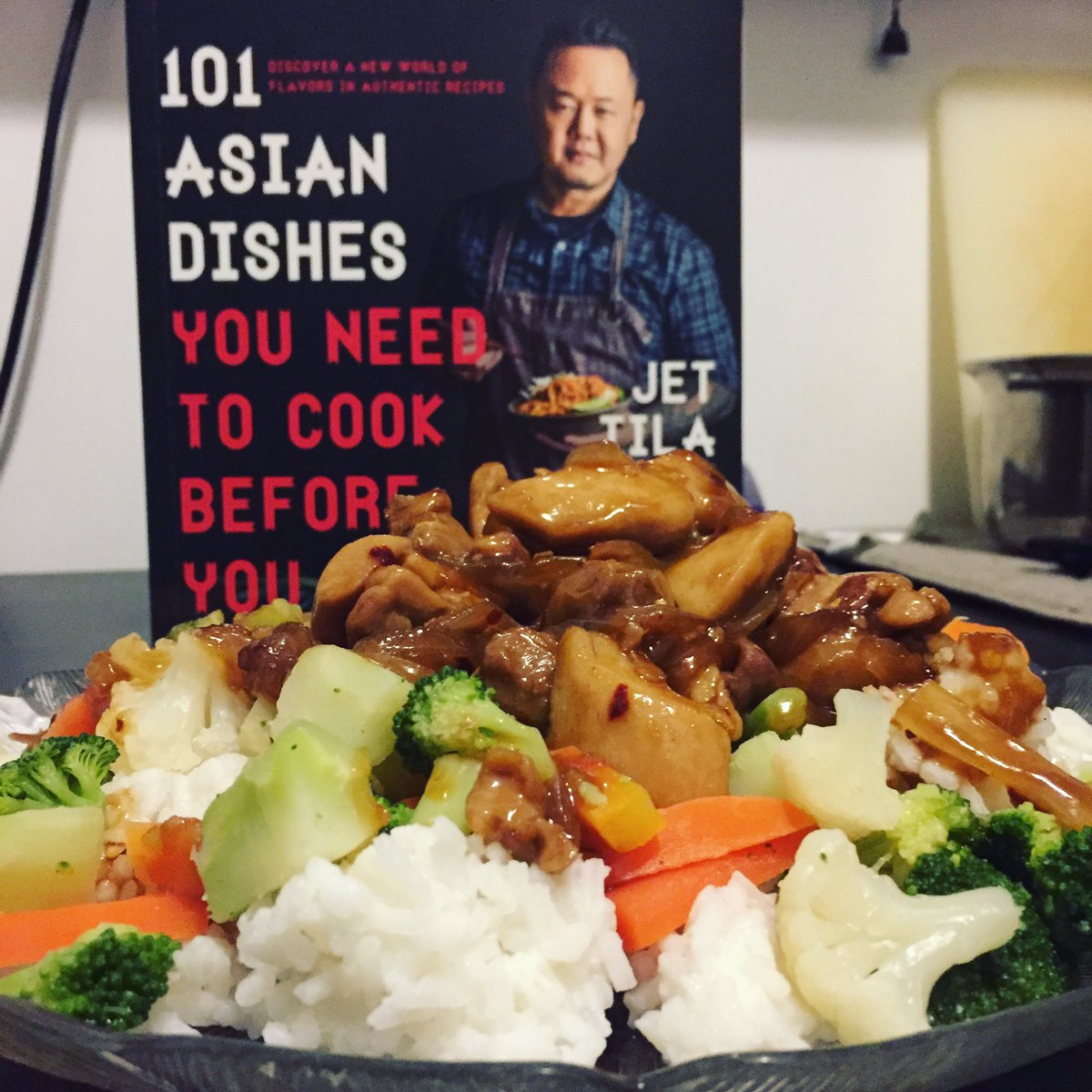 Homemade orange chicken (sautéed) with veggies and rice. Thanks @jettila #101asiandishes <br>http://pic.twitter.com/DWcJfPLNHf