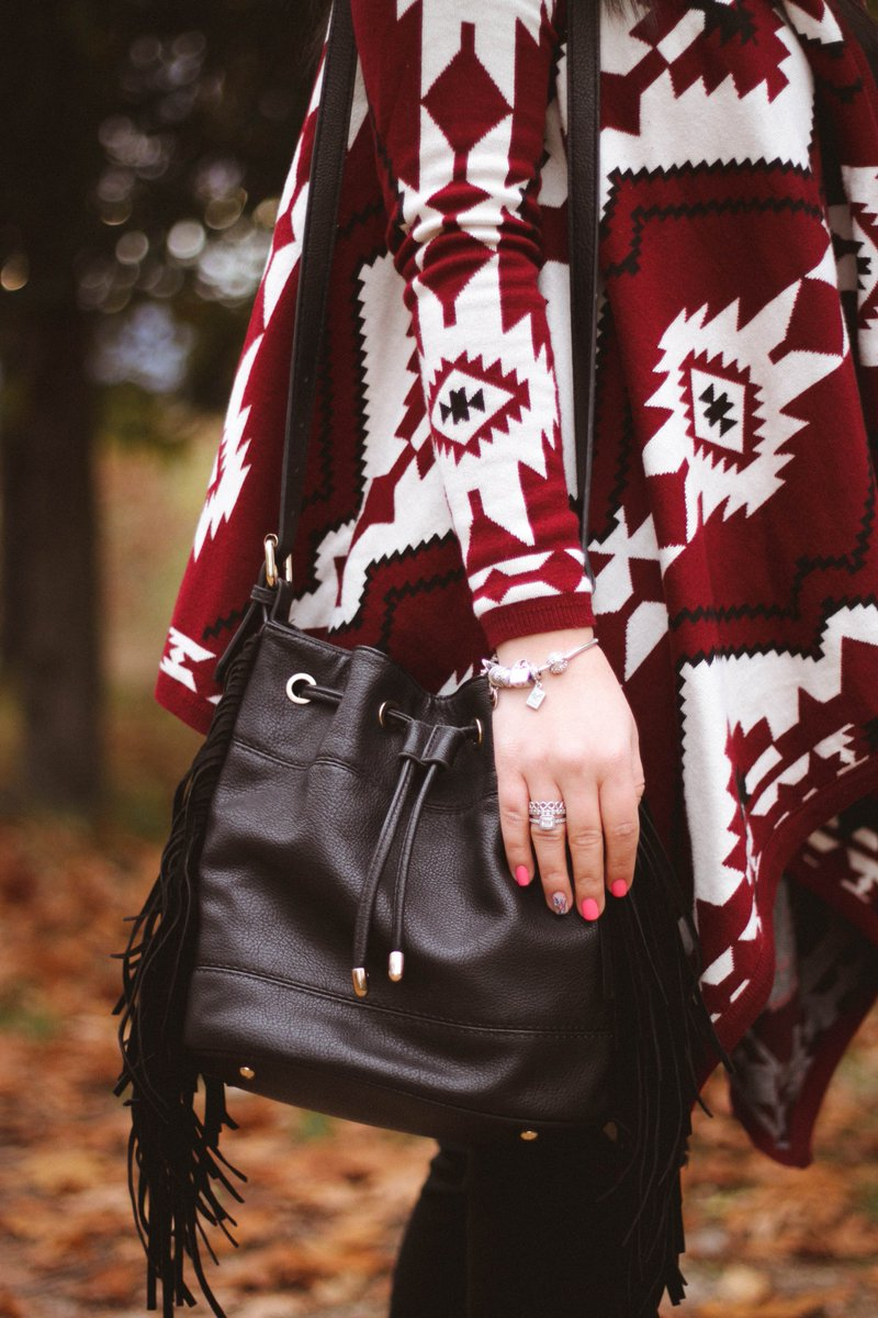 A look is never complete without the right accessories! Check out the whole outfit here --&gt;  http:// truedreamcatcher.blogspot.bg/2017/11/aztec- cardigan-for-fall.html &nbsp; …  #newpost #truedreamcatcher #fblogger #accessories #details #closeup #stradivarius #bag #boho #bohemian #Pandora #jewellery #aztecprint #hm #hmdivided<br>http://pic.twitter.com/q34OKnMcSF