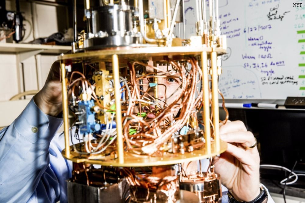 Two Yale professors are racing with Google and IBM to build the first quantum computer: https://t.co/hvquDmKt6C