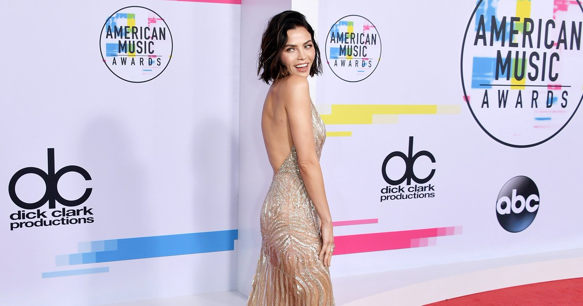 These are the best looks from the 2017 #AMAs: https://t.co/FrgPvfFyVs