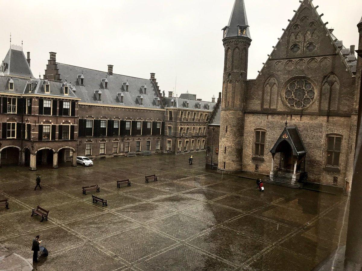 RT @Bas_vanderSande: We zijn intern verhuisd naar een nieuw kantoor met dit uitzicht 😍 https://t.co/zebxrbbaH1