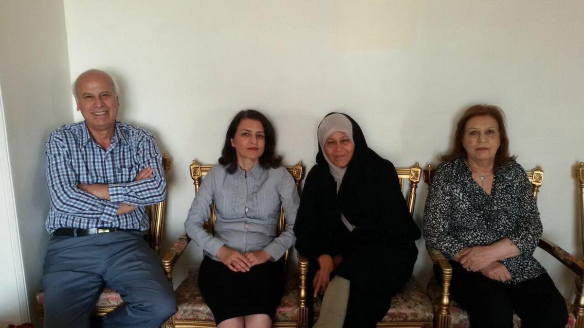 Picture worth 1000 words! #Rafsanjani&#39; daughter visits #Baha&#39;i community leader who completed 10 yrs in prison for her religious beliefs. #Iran #HumanRights #minorities<br>http://pic.twitter.com/QteHZbHlTu