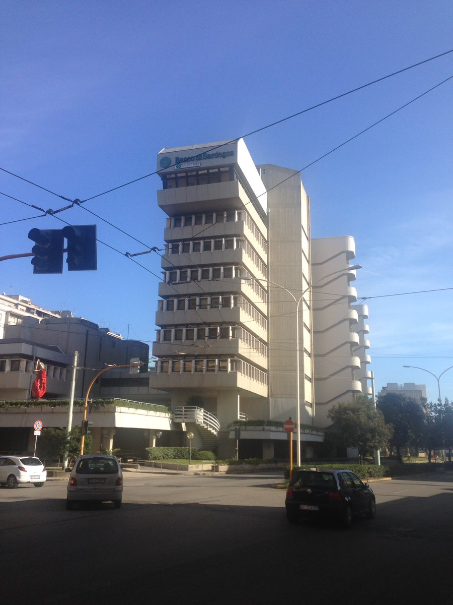1. Viale Bonaria, #Cagliari. This is the Bank of Sardinia, in the heart of a possible &#39;Quartiere Modernismo&#39;. It&#39;s a brutalist palace, a latter day hanging gardens of Babylon. <br>http://pic.twitter.com/Iv6Ziu7mlr