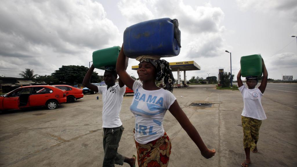 L'eau, les femmes et la démocratie. : une gestion de la ressource en eau en #Afrique https://t.co/EsskC1eaXQ
