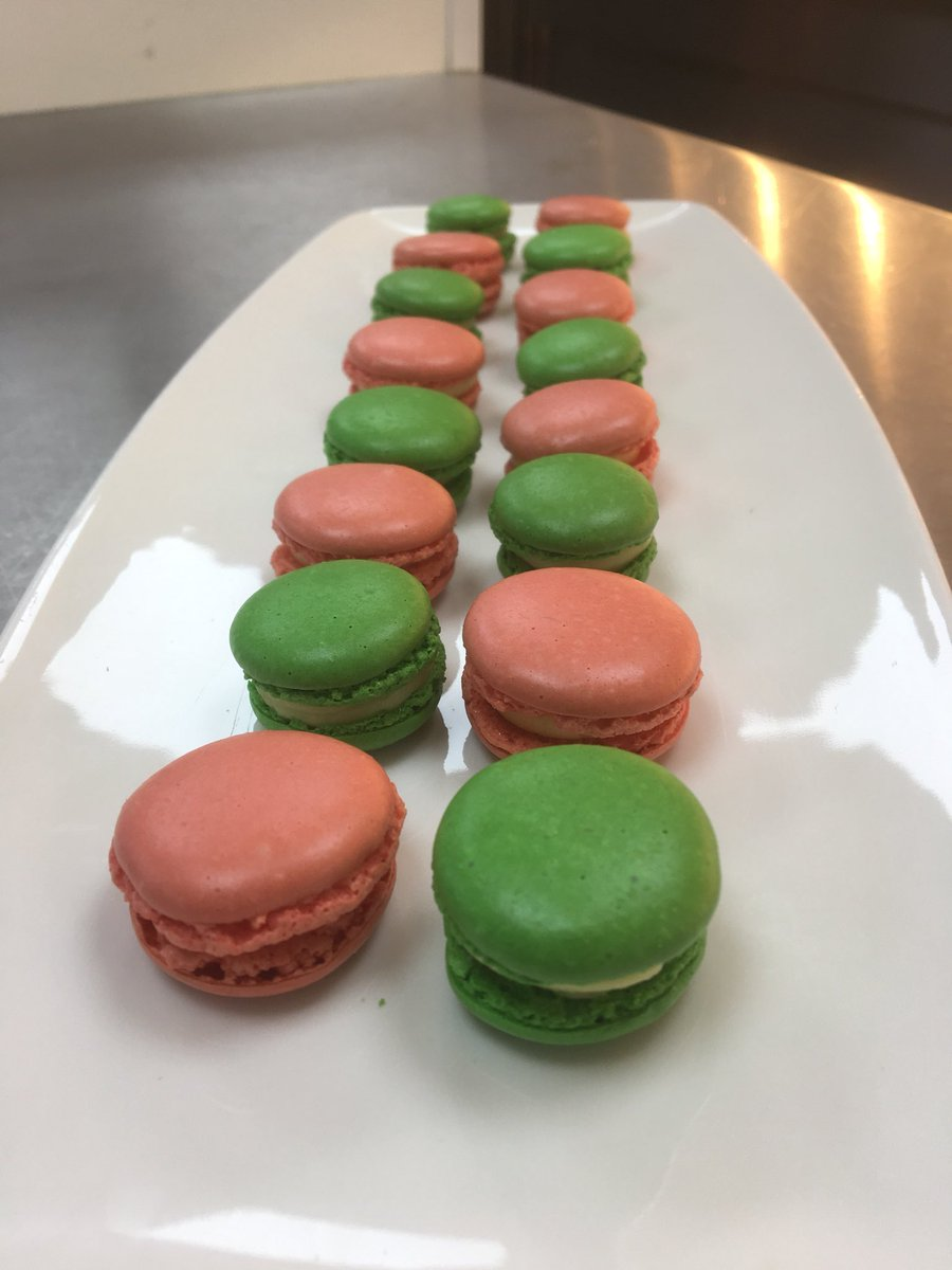 @N_HertsCollege #HartKitchens students working petits fours this morning with the tricky macaroon. Next steps are decoration #Patisserie <br>http://pic.twitter.com/3GFqjBNVPU