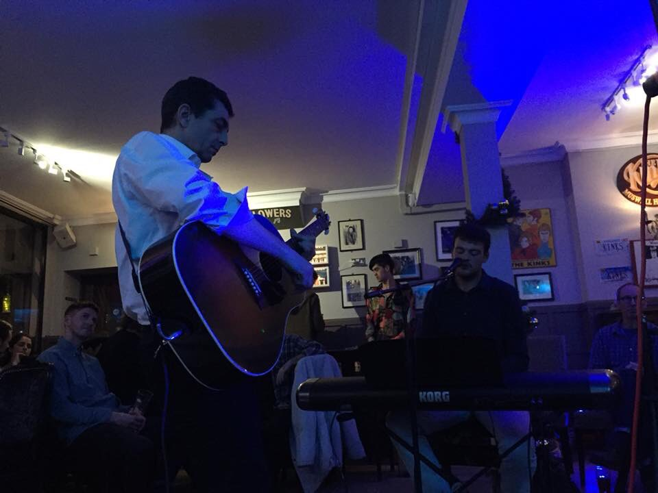 @jamesmcfadden playing with @RossMerrin @clissoldarms last night #NewMusic #livemusic  http://www. jamesmcfaddenofficial.com  &nbsp;  <br>http://pic.twitter.com/YNDmKnPg1d