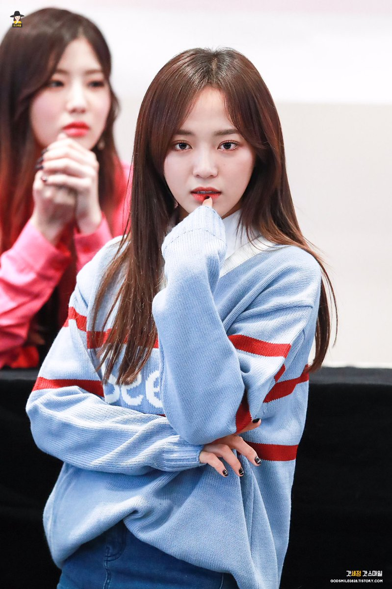 RT @qmsejeonq: 171118 일산 팬싸 #김세정 #세정 #갓세정 #kimsejeong #sejeong #구구단 #gugudan @gu9udan https://t.co/8vctPzGpo8  https://t.co/8vctPzGpo8