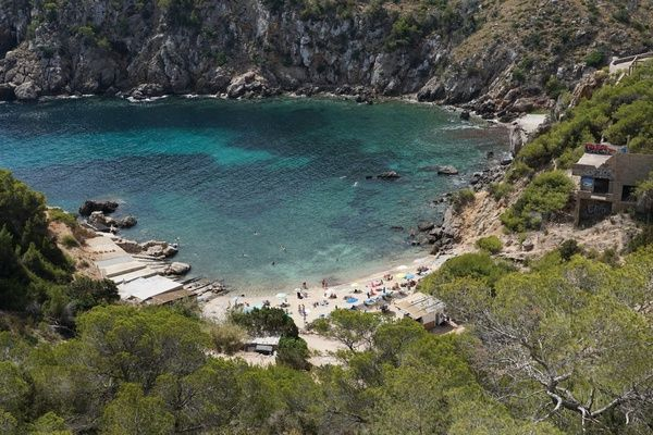Here's 7 reasons why #Ibiza is a great port of call for families  https:// buff.ly/2mDBbOO  &nbsp;   #familytravel #cruisetips<br>http://pic.twitter.com/UwFIXFF2xe