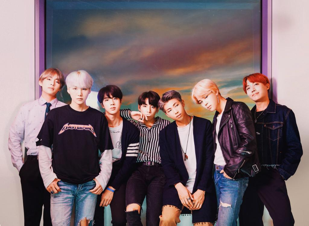 .@BTS_twt took it to the next level on the #AMAs Start the week off right with the ultimate #BTS playlist: https://t.co/n7KDReYcVU