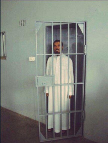 العلماء والشرفاء في السجون والصهاينة في...