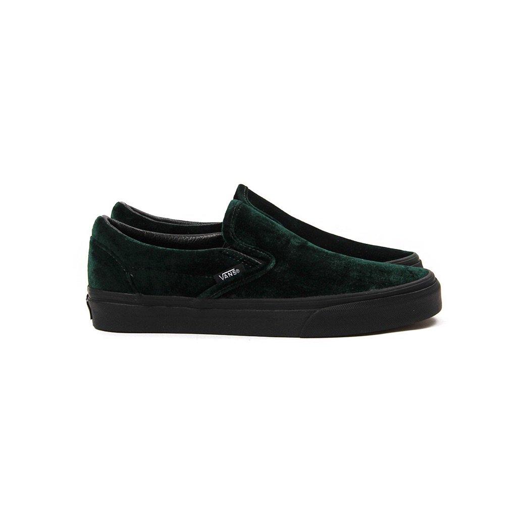 5842381d7c6 Vans Women s Classic Slip-On (Velvet Green) is Now Available Online  http   bit.ly 2zkf7yW  cncpts  vans  velvetpic.twitter.com mMZphxYgUC