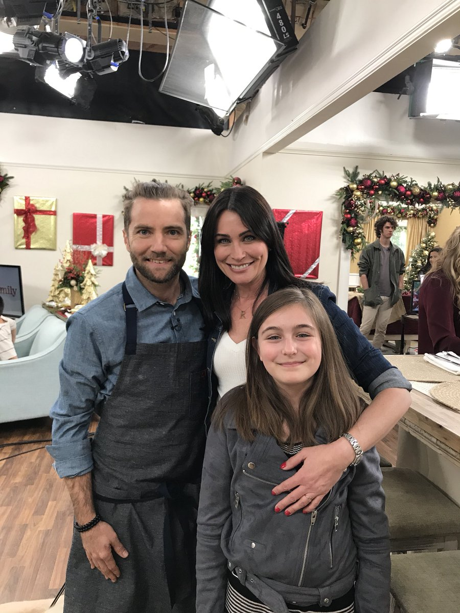 I got to meet @MarcelVigneron on @HomeandFamilyTV when I went on to promote @CBSDaytime #BoldandBeautiful and #Pawparent I'M A BIG FAN!!!! Please watch tomorrow 11-21 #AdoptDontShop <br>http://pic.twitter.com/9bjNrIPoPf