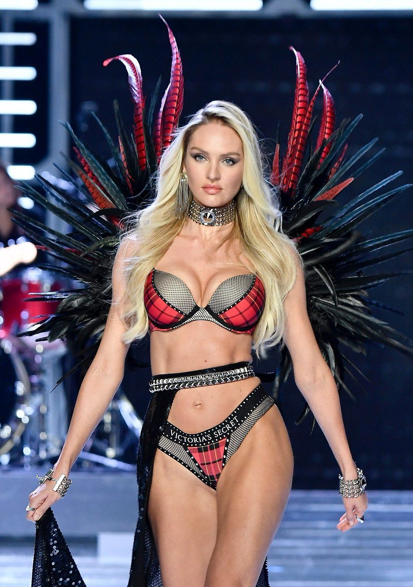 Twitter Candice Swanepoel nude (29 foto and video), Ass, Paparazzi, Twitter, braless 2006