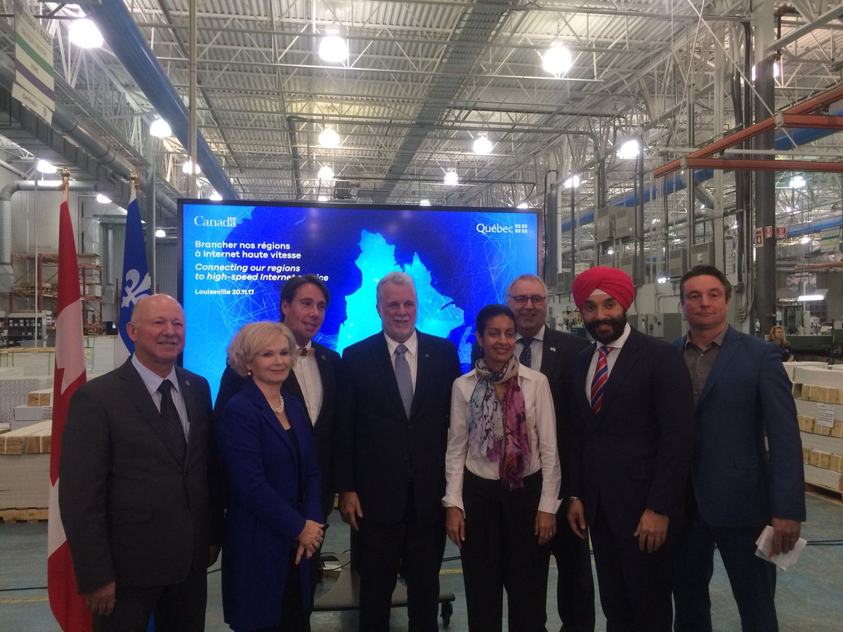 High-speed internet is no longer a luxury, it's essential. Proud to announce more than $290M w/ @DenisParadisPLC and our Qc colleagues to connect 360 communities and 100 000 households in 14 regions of #Qc. #QcPoli #CdnPoli #assnat #ConnectToInnovate <br>http://pic.twitter.com/EGeoFFevWA