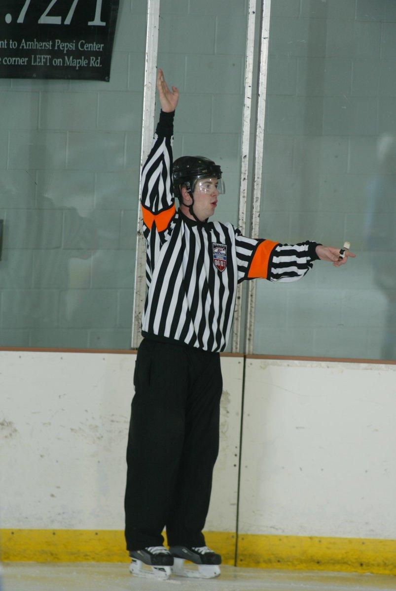 Week 12 of @usahockey Ask the Official is posted  http://www. usahockey.com/news_article/s how/858308?referrer_id=898353 &nbsp; …  #referee #official<br>http://pic.twitter.com/VJnAvLxYpz