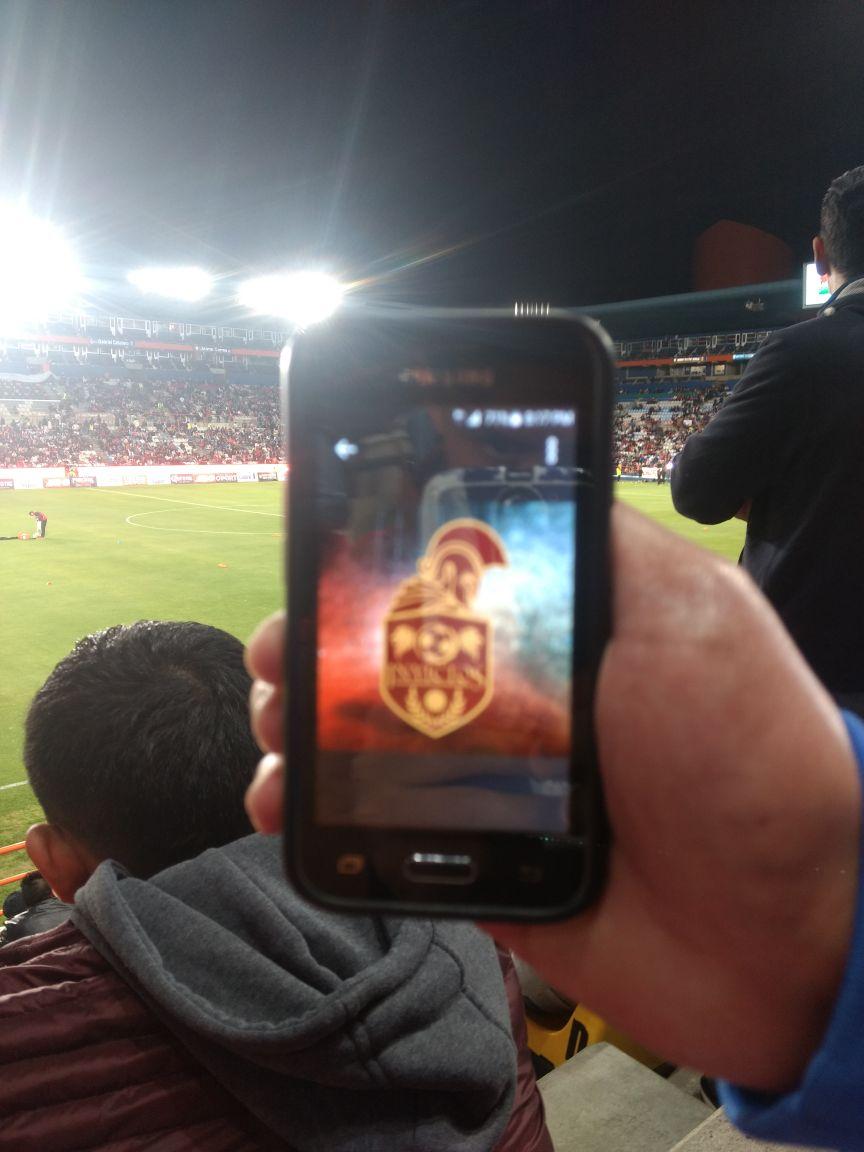 RT @antoniotm_17: @InvictosSomos presente en la primera final del fútbol femenil Mexicano. https://t.co/BXsbYbkVOm