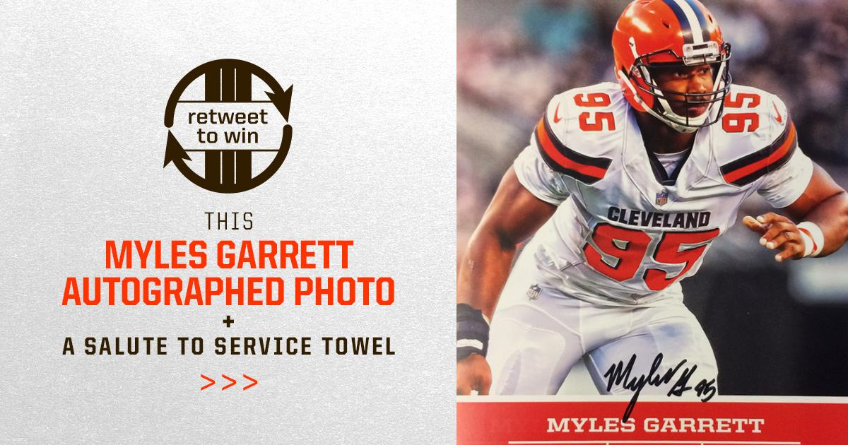�� RETWEET and FOLLOW for a chance to win this signed @MylesLGarrett photo! ��  Rules: https://t.co/2LUTTiwUhN https://t.co/Fs8EWC9h5H