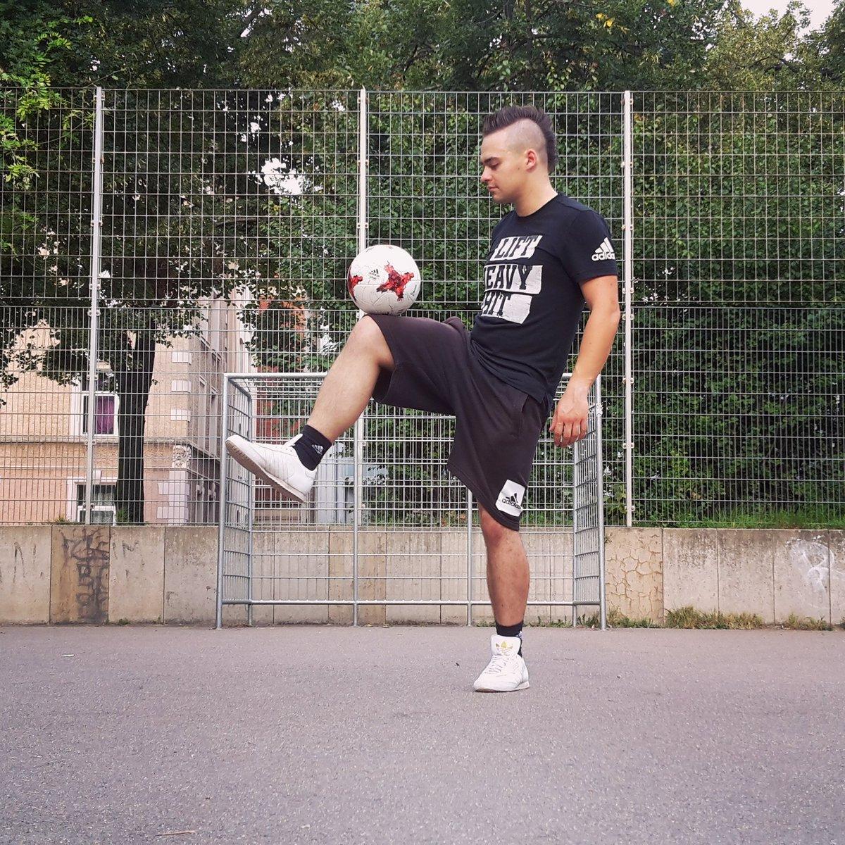 #Monday is #TrainingDay  always #HereToCreate  !! #NeverFollow #BeTheDifference #Adidas #Football #Fussball #Bolzplatz #Training #Skills<br>http://pic.twitter.com/9bWo37f0lF
