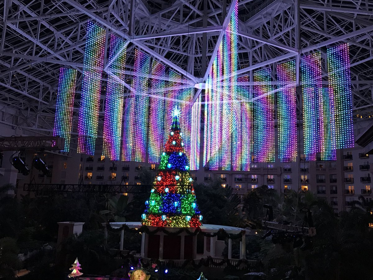Very colorful atrium light show @Gaylord...