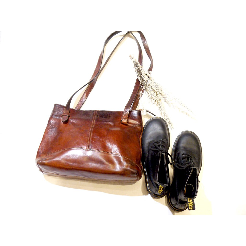 recommend item! Dr.Martens made in England ×leather bag #paseo #pichet #used #fashion #coordinate #snap #sapporo #vintage<br>http://pic.twitter.com/b0UVWHIox0
