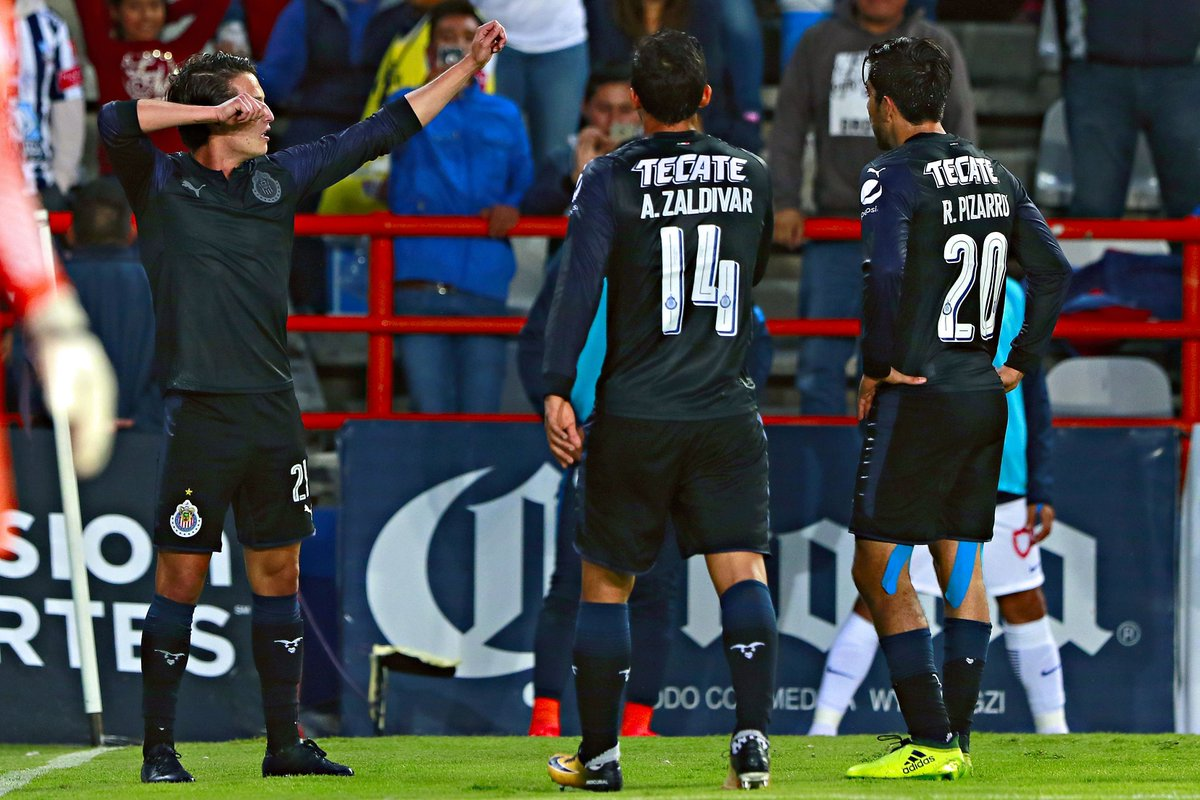 Uno de los jugadores favoritos de Almeyda está con un pie fuera de Chivas 😮👇  https://t.co/VZXp6BGuI6 https://t.co/dUz5A3CFnv