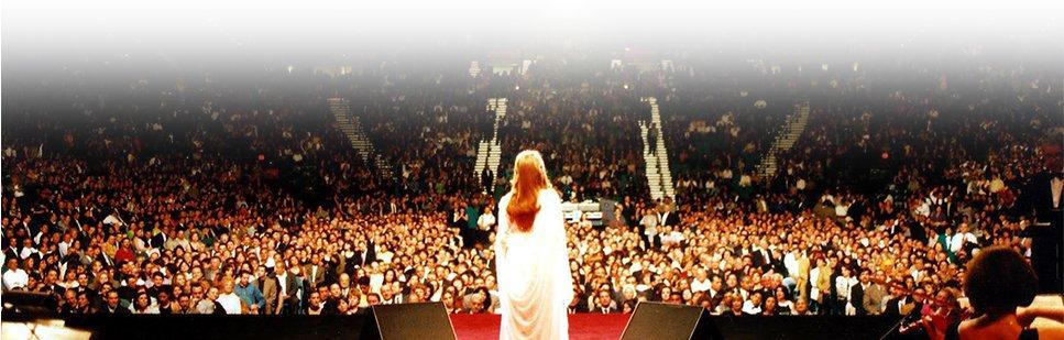 تقع النجوم ولا ينتهي الحبّ السيدة #فيروز...