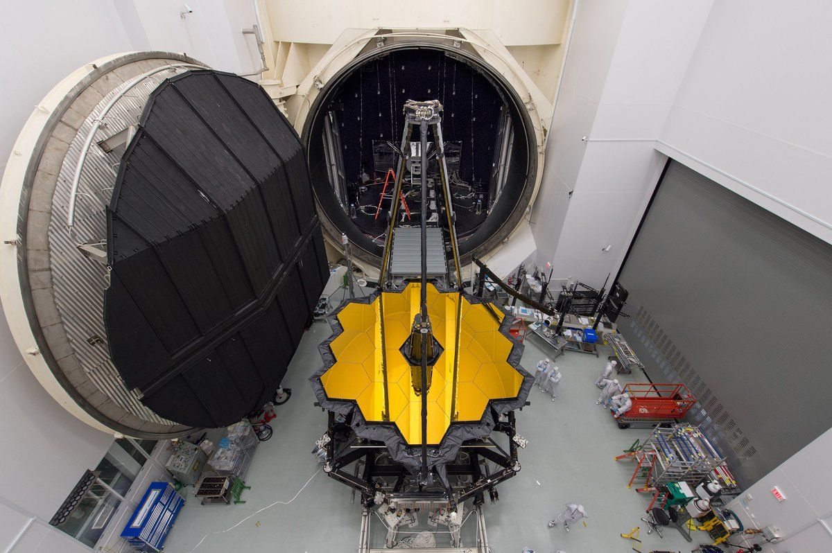#presse Le James Webb Space Telescope n'a pas froid aux yeux : il a passé avec succès ses tests en cuve cryogénique 🔭❄️ #JWST https://t.co/5XinP1hN0h