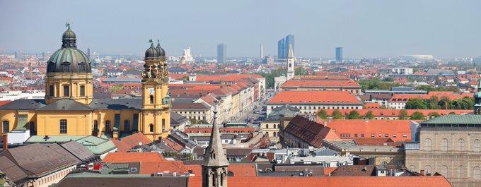 Heute Abend diskutiert Peter Bigelmaier über die Zukunftsfähigkeit Münchens in puncto Büroflächen, Innovationen und Büroarbeitsplätze: <br> @ZIAunterwegs #München<br><br>Aktuelle Informationen zum Münchner Büromarkt: t.co/6URIGRTFFG t.co/Dd3fzMkyDw