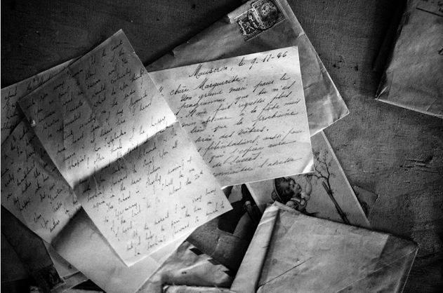 'On essaie d'exprimer des sentiments avec des mots, mais certains sont tellement fort, que peu importe les lettres que l'on assemblera  cela ne suffira pas à dire ce que l'on ressent ...'                 Victor Hugo
