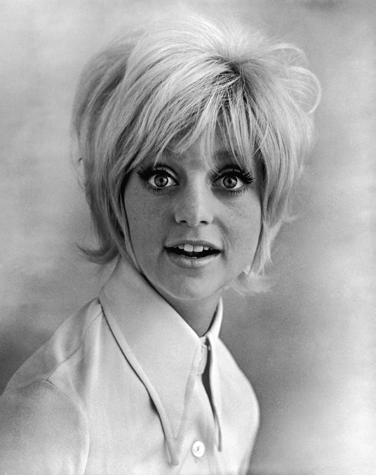 Happy 72nd Birthday to the legendary Oscar-winning actress Goldie Hawn! (November 21, 1945)