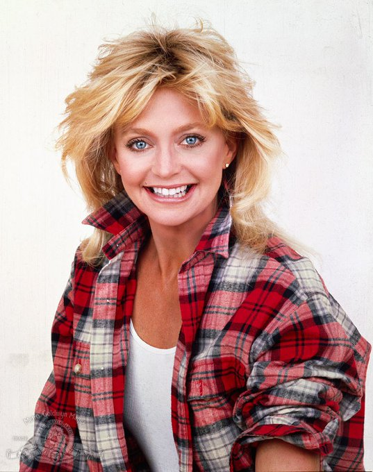 A big old happy birthday to the lovely Goldie Hawn today!