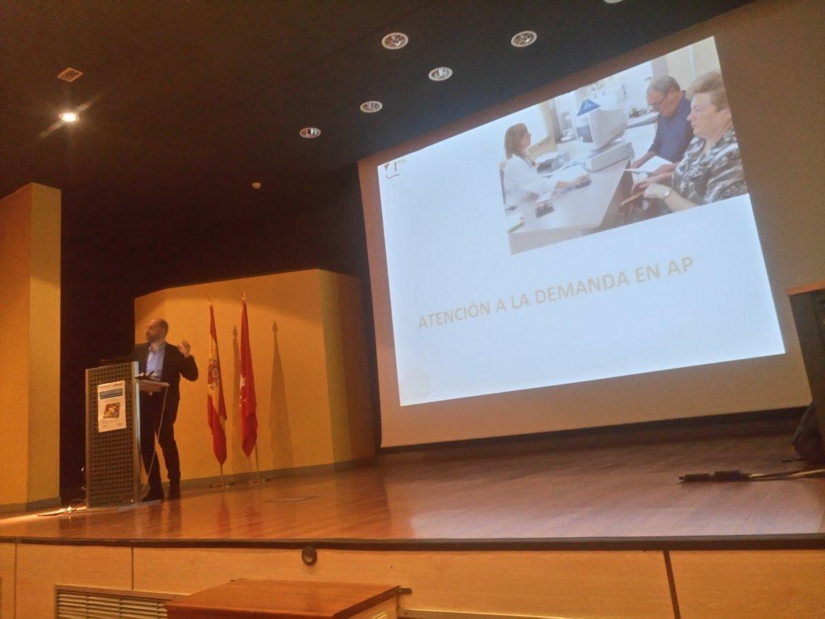 Comenzando con la brillante presentaciòn del Dr. Morales #CompartiresAprender   #EPA #visibilidadenfermera #gregoriomarañon