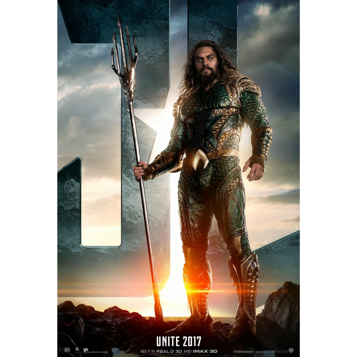 #JasonMomoa made his second cinematic appearance as #Aquaman  in #TheJusticeLeague this past weekend. #NativeHawaiian #AsianAmerican #AsianAmericanPacificIslander #AAPI #HalfAsianPacificIslander #HAPA #ArtsAndEntertainment #LanternMediaNetwork<br>http://pic.twitter.com/Y0Izw6cn9y