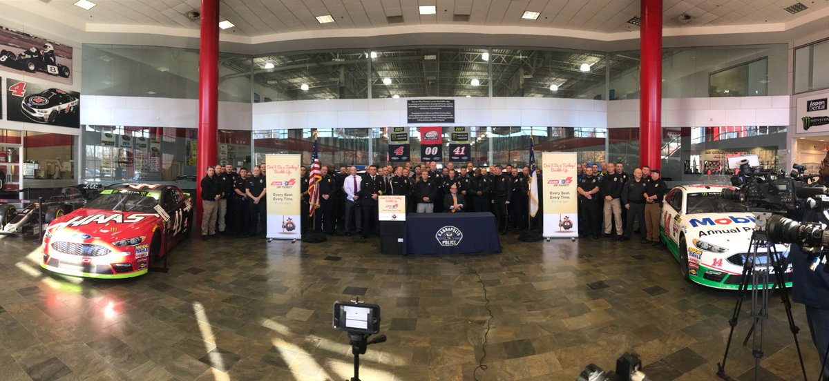 We were proud to host the N.C. Governor's Highway Safety Program and state and local law enforcement for the kick-off of their annual Thanksgiving Click It or Ticket enforcement campaign yesterday. #BeSafe during your #ThanksgivingTravel, fans!<br>http://pic.twitter.com/601Y5CwbFw