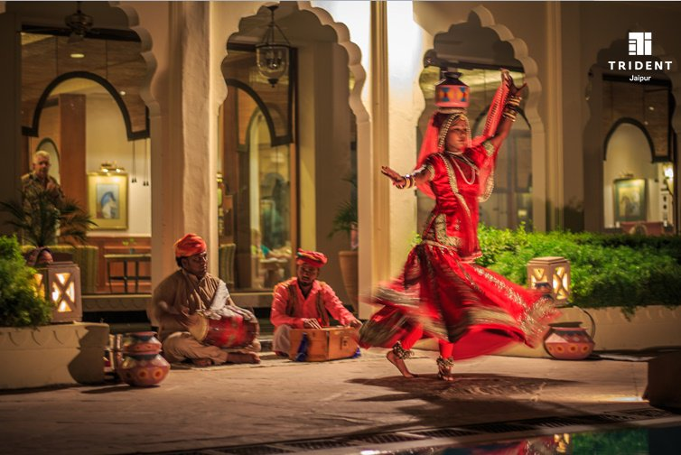 """test Twitter Media - Traditional Rajasthani folk """"Kalbelia"""" dance by the poolside #folkdance #culture #coloursofrajasthan #guestdelight @JaipurTrident https://t.co/9881wgaTiN"""