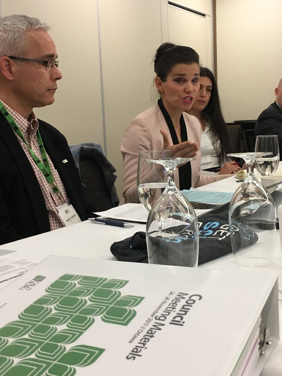 Great to have @KirstyDuncanMP at our @CAUT_ACPPU exec meeting to talk about the Science Review #supportthereport #cdnpoli<br>http://pic.twitter.com/U5eOpbsD08