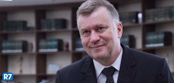 'Temos juízes com férias de 60 dias e outros que não trabalham de segunda e sexta', diz presidente da OAB-SP https://t.co/6kWGTarnGc