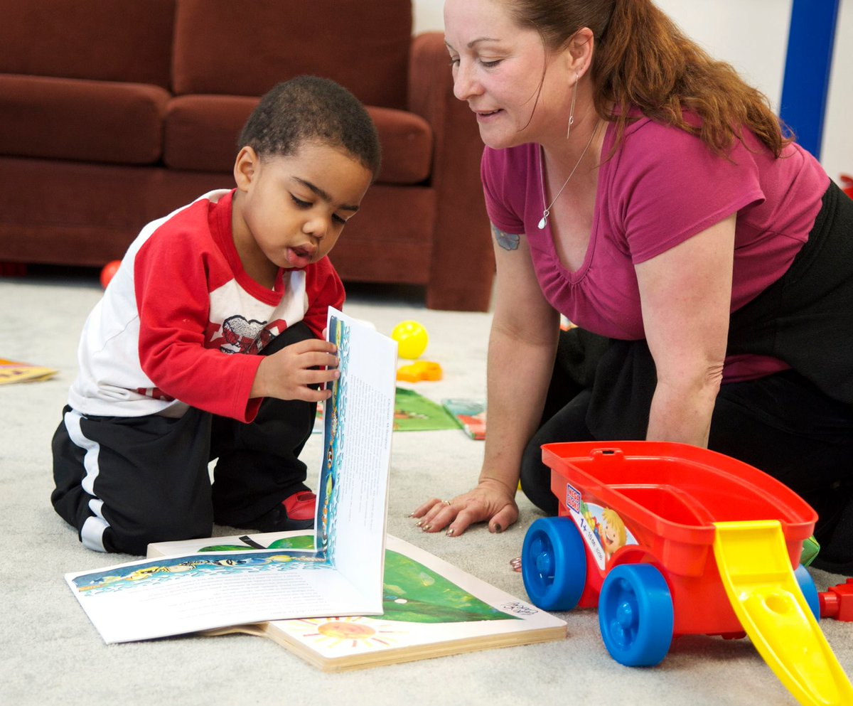 Going somewhere new? Look over pictures &amp; talk about things your child might see or do. Talking helps them learn how to explore. #VroomTip <br>http://pic.twitter.com/rSlCycwhLu