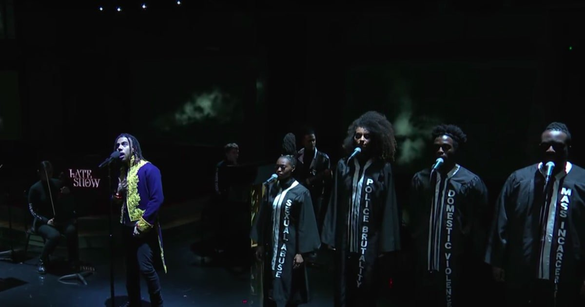 Watch Vic Mensa perform 'We Could Be Free' with a string quartet and choir on #LSSC https://t.co/r3E7gfPbyT https://t.co/XHUDS6LI14