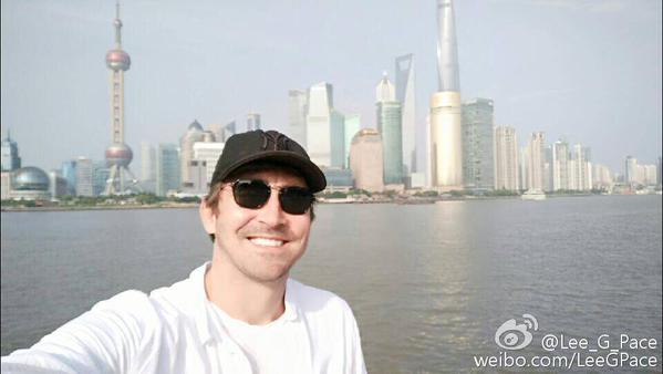 Lee Pace on Weibo : &quot; Hello Shanghai &quot;   (June 1, 2015.)  https:// weibo.com/LeeGPace  &nbsp;   #leepace #TravelTuesday #WorldHelloDay #Flashback  #weibo #Shanghai #China<br>http://pic.twitter.com/sFNx8OAsUo