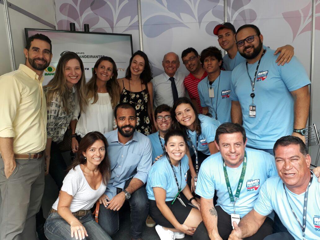 BASTIDORES: Boechat e toda equipe do Grupo Bandeirantes na Cinelândia. #SemanadaSaúde #VemDoar #BandNewsFM