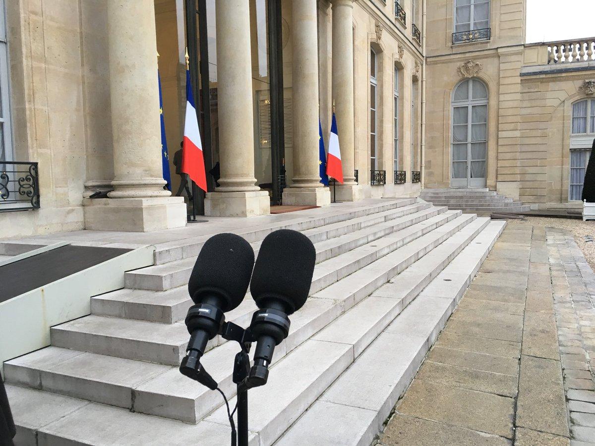 #instantané reprise des consultations politiques du Président #Macron et attente de l'annonce du #remaniement à #Elysee #Politique