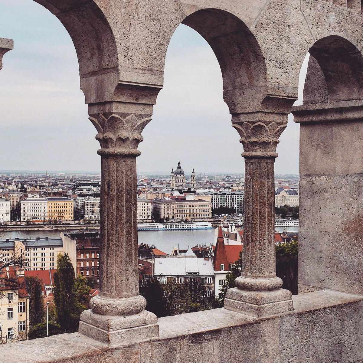Amazing view from the Fisherman&#39;s Bastion in #Budapest, #Hungary / #travel #travelblog #travelblogger #traveling #exploring RT<br>http://pic.twitter.com/4f2TTKGoNp