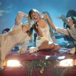 What I learned about learning dancing on the AMAs with Selena Gomez https://t.co/S1bXywNyel