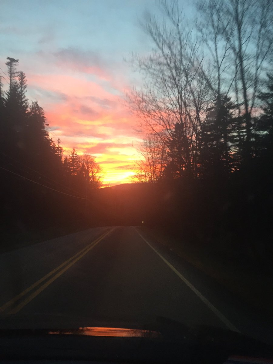 Running Thanksgiving errands on #Vermont <br>http://pic.twitter.com/7GVyE5JxqK