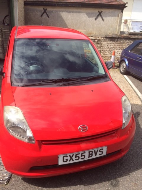 A big thank you to @Cedargarage for kindly donating a pre-loved Daihatsu Sirion in aid of #Worthing Hospital... and in our Love Your Hospital red no less! The car raised an incredible £1050 at auction. Truly amazing! #charitytuesday<br>http://pic.twitter.com/Gp5Mhhq14d